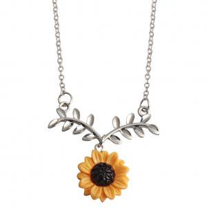 Fancyleo Gold-Color Hope Flowers Sunflower Clavicular Bones Pendant Short Yellow Daisy Flower Necklace Romantic Gift (Bone Pendant Necklace)