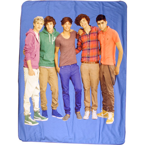 "One Direction Group Shot 50"" x 60"" Throw"