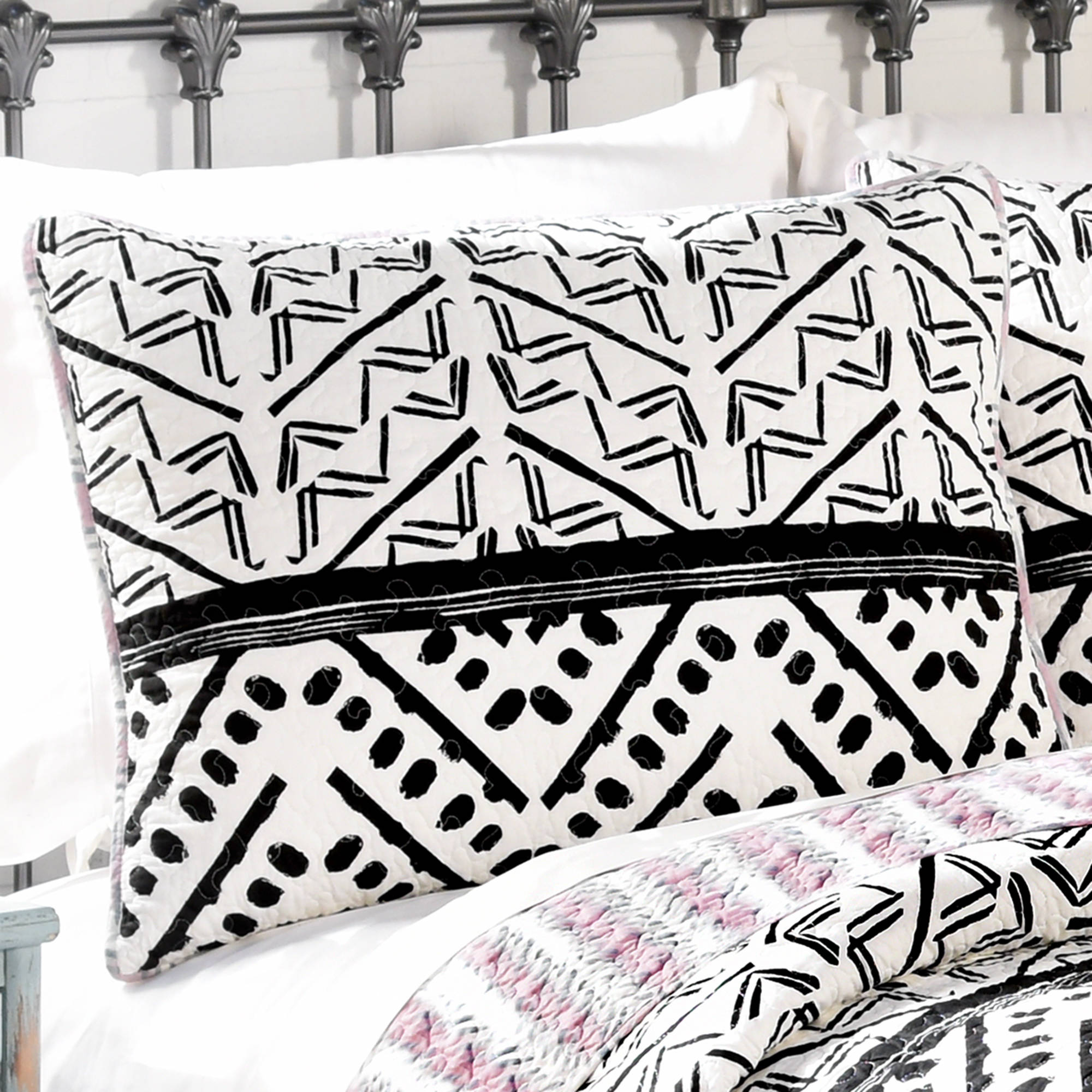 Click here to buy Better Homes and Gardens Aztec Chevron Quilt, Black and White by Ellery Homestyles.