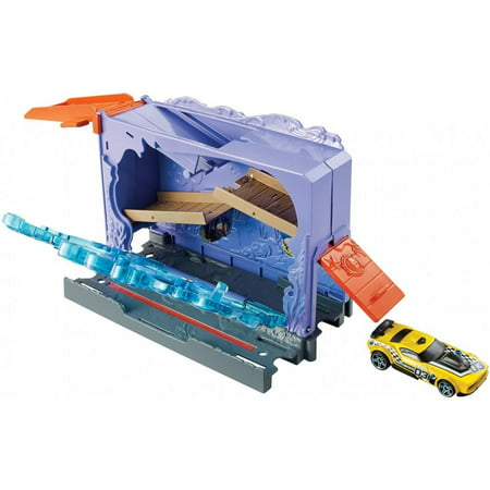 - Hot Wheels City Downtown Aquarium Bashplay Set