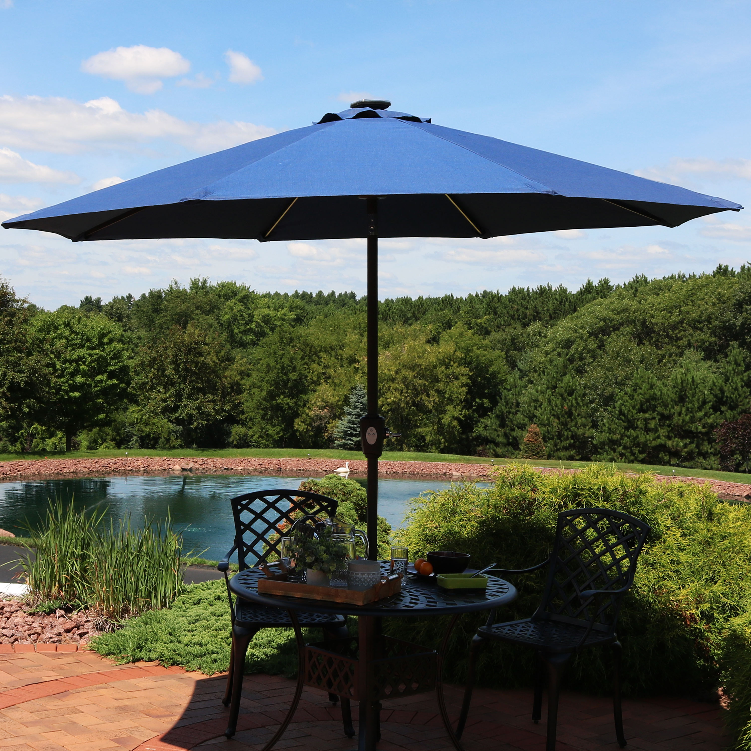 Sunnydaze 9-Foot Aluminum Spun-Poly Umbrella - Auto Tilt and Solar LED Lightbars