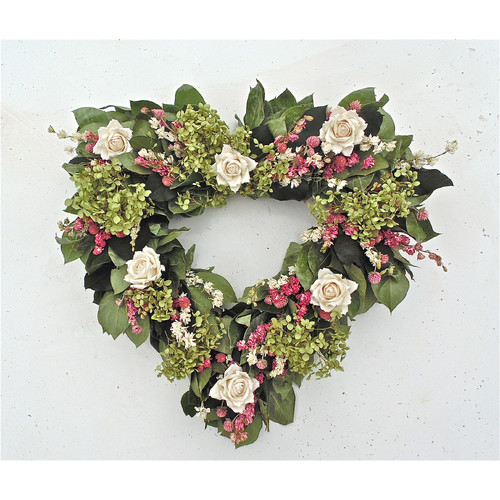 Dried Flowers and Wreaths LLC 22'' White Rose Heart Wreath
