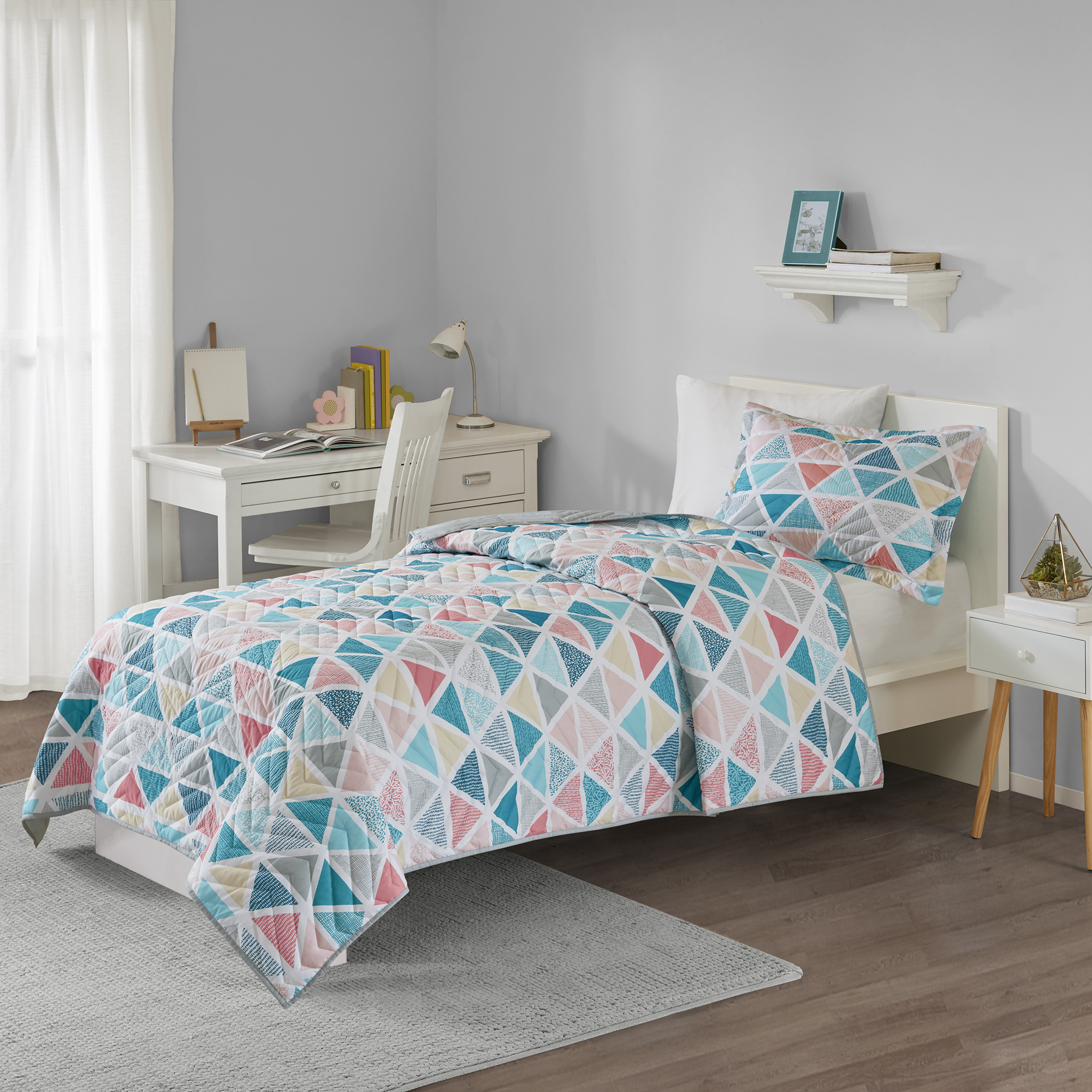 Your Zone Printed Geo Triangle Mini Quilt and Sham Set