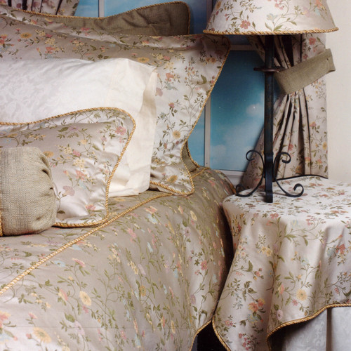 Charister Chantilly Comforter