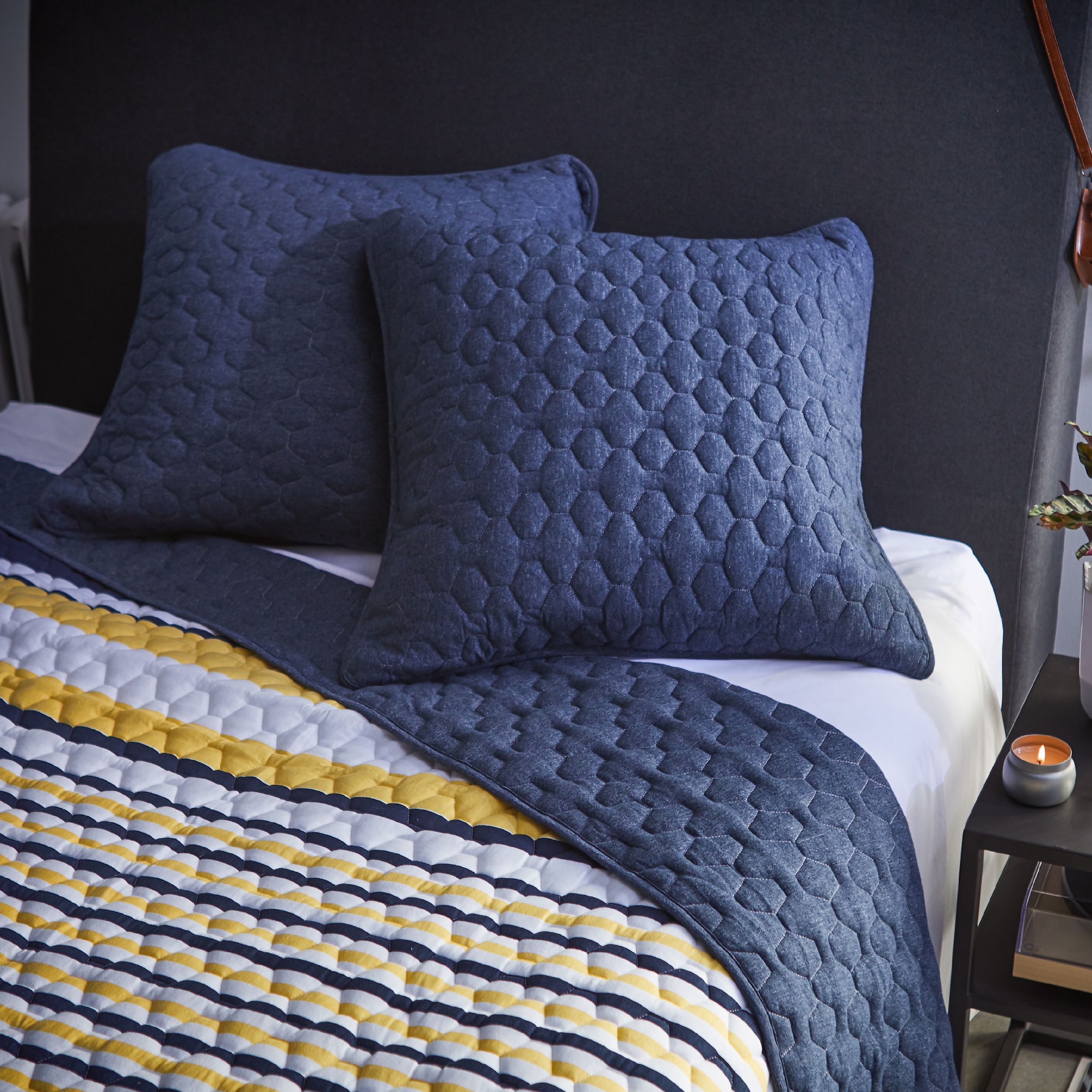 MoDRN Scandinavian Hexagon Stitch Jersey Quilt Set