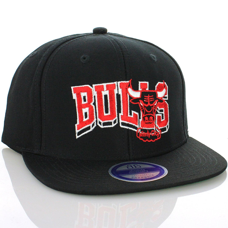 Chicago Bulls Flat Bill Snapback Hat Cap (Wave Block Black) [Apparel]