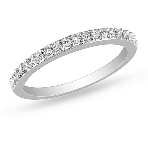 1/4 Carat T.W. Diamond Stackable Ring in 10kt White Gold