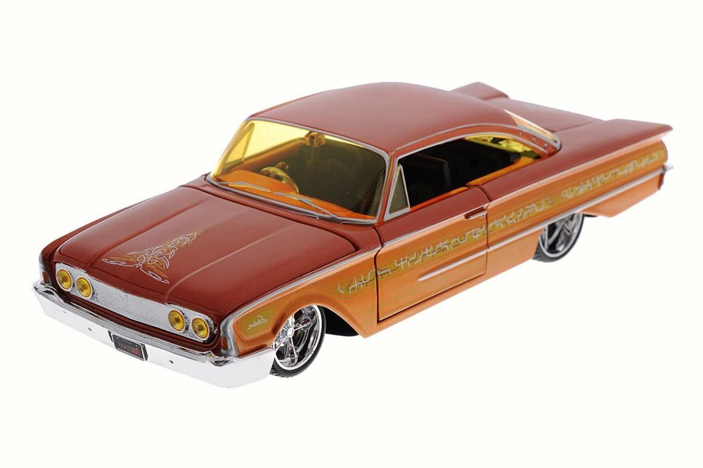 1960 Ford Starliner, Orange Maisto 31038 1 26 Scale Diecast Model Toy Car by Maisto