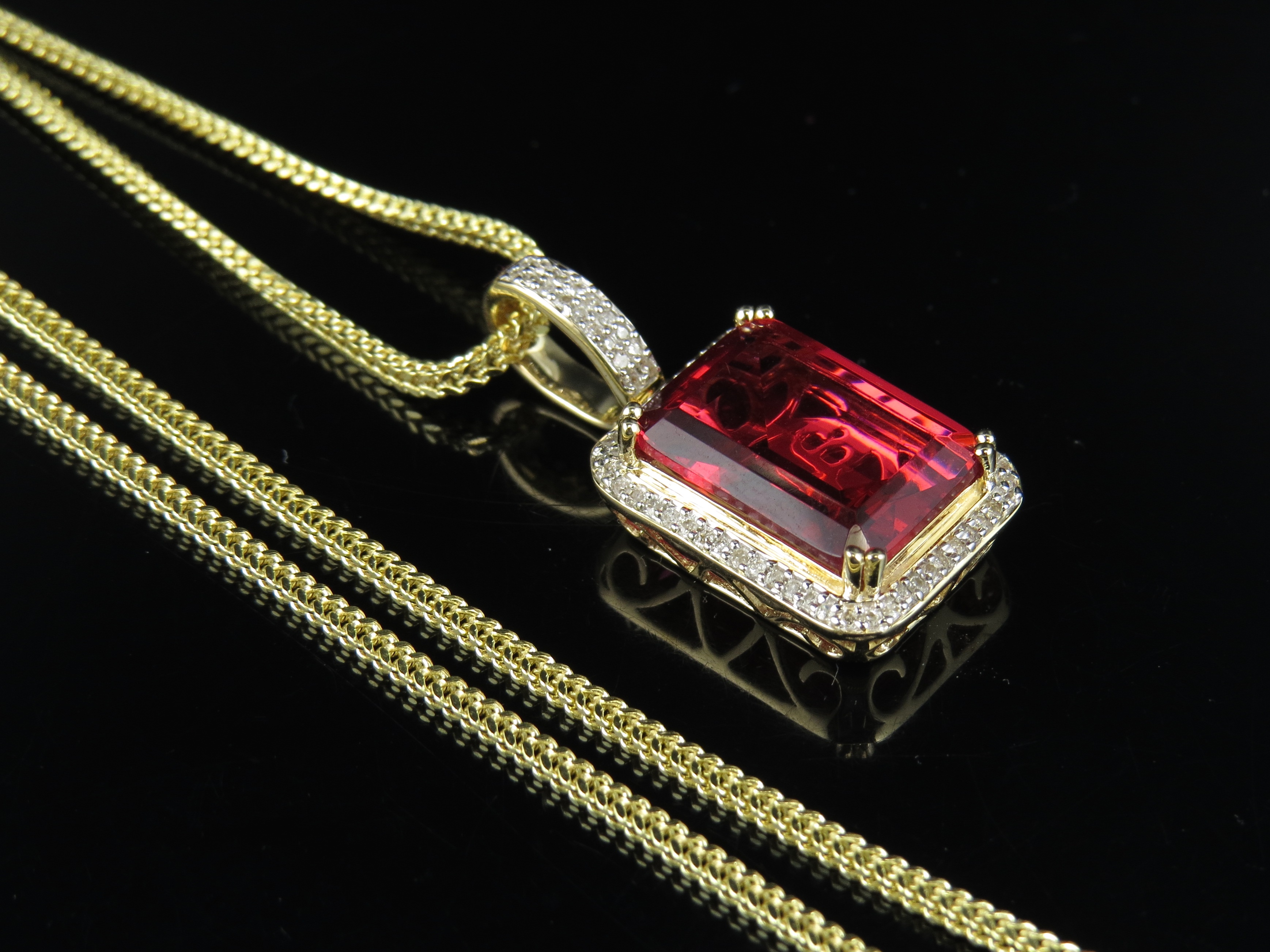 """10K Yellow Gold Royal Red Ruby Real Diamond Pendant 1.05"""" 0.33Ct Chain Set by Jewelry Unlimited"""