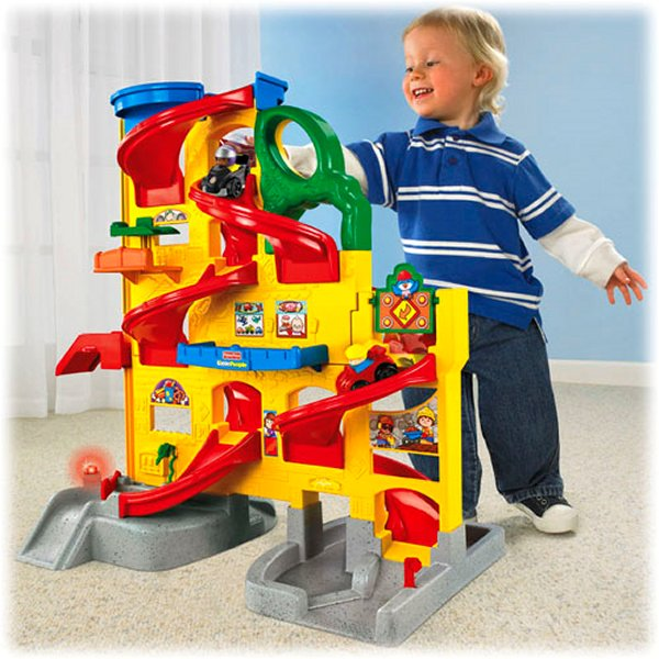Fisher Price Little People Wheelies Stand 'n Play Rampway by Fisher-Price