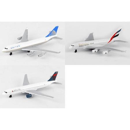 "United, Emirates, Delta Airlines Diecast Airplane Package - Three 5.5"" Diecast Model Planes"