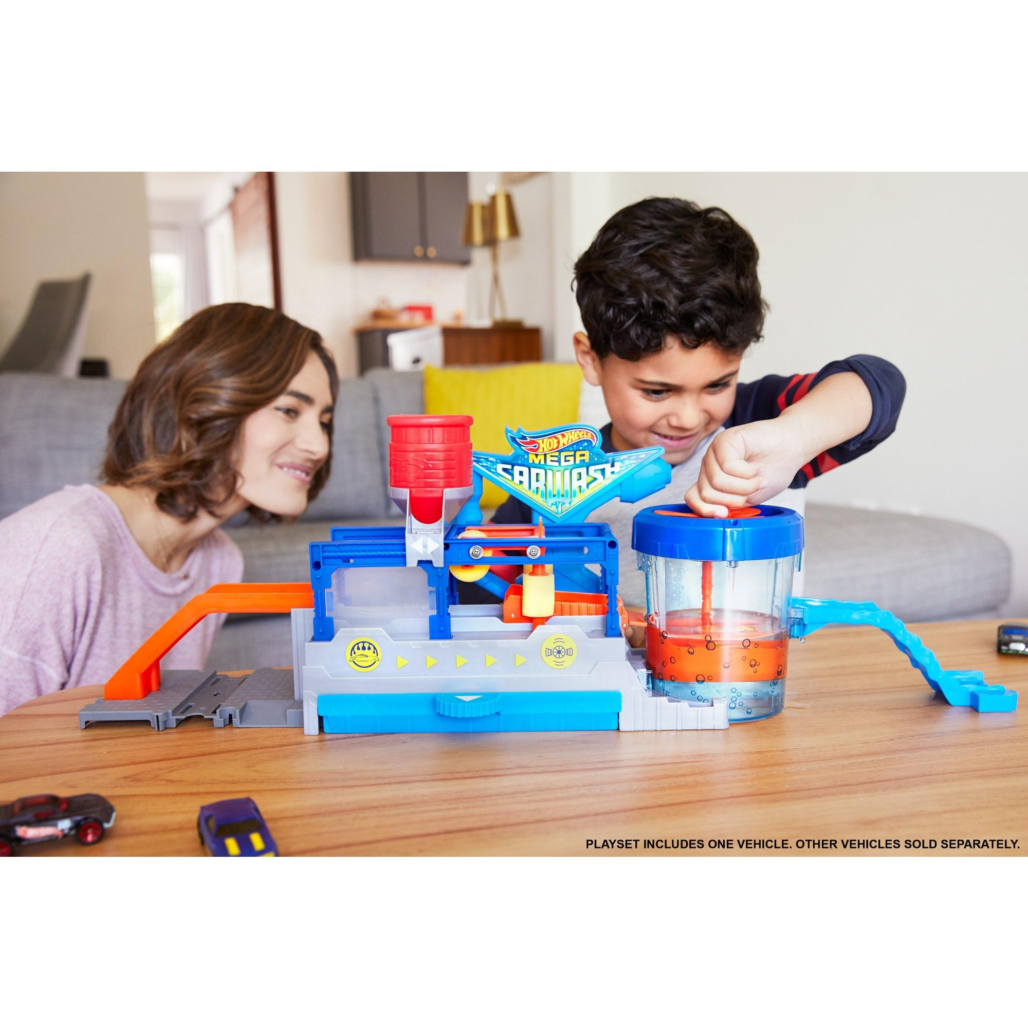 Hot Wheels Color Change Mega Car Wash And Cars And Conveyer Belt Track Vehichle Playset Walmart Com Walmart Com