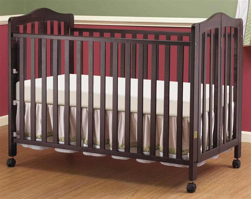 Full Size Portable Crib in Cherry Finish by Orbelle