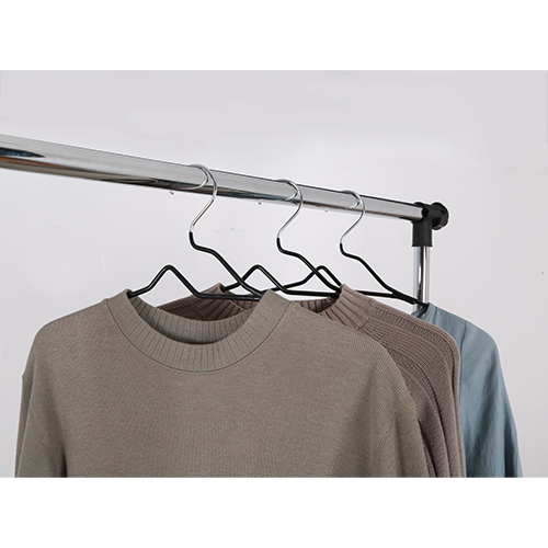 Better Homes & Gardens 10 Pack Chrome and Black Non-Slip Hanger