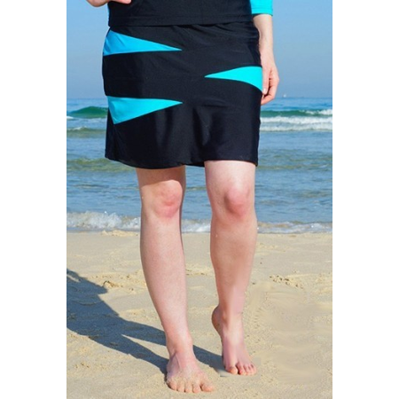 "749fe68336 HydroChic - Get up and Go! 18.5"" Triangle Spliced A-Line Swim Skirt  with Attached Shorts - Chlorine Proof - Walmart.com"