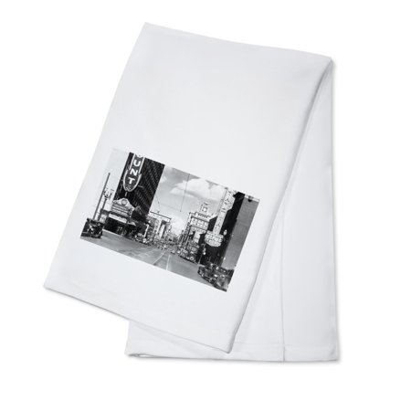 - Portland, OR View of Broadway Looking North Photograph (100% Cotton Kitchen Towel)