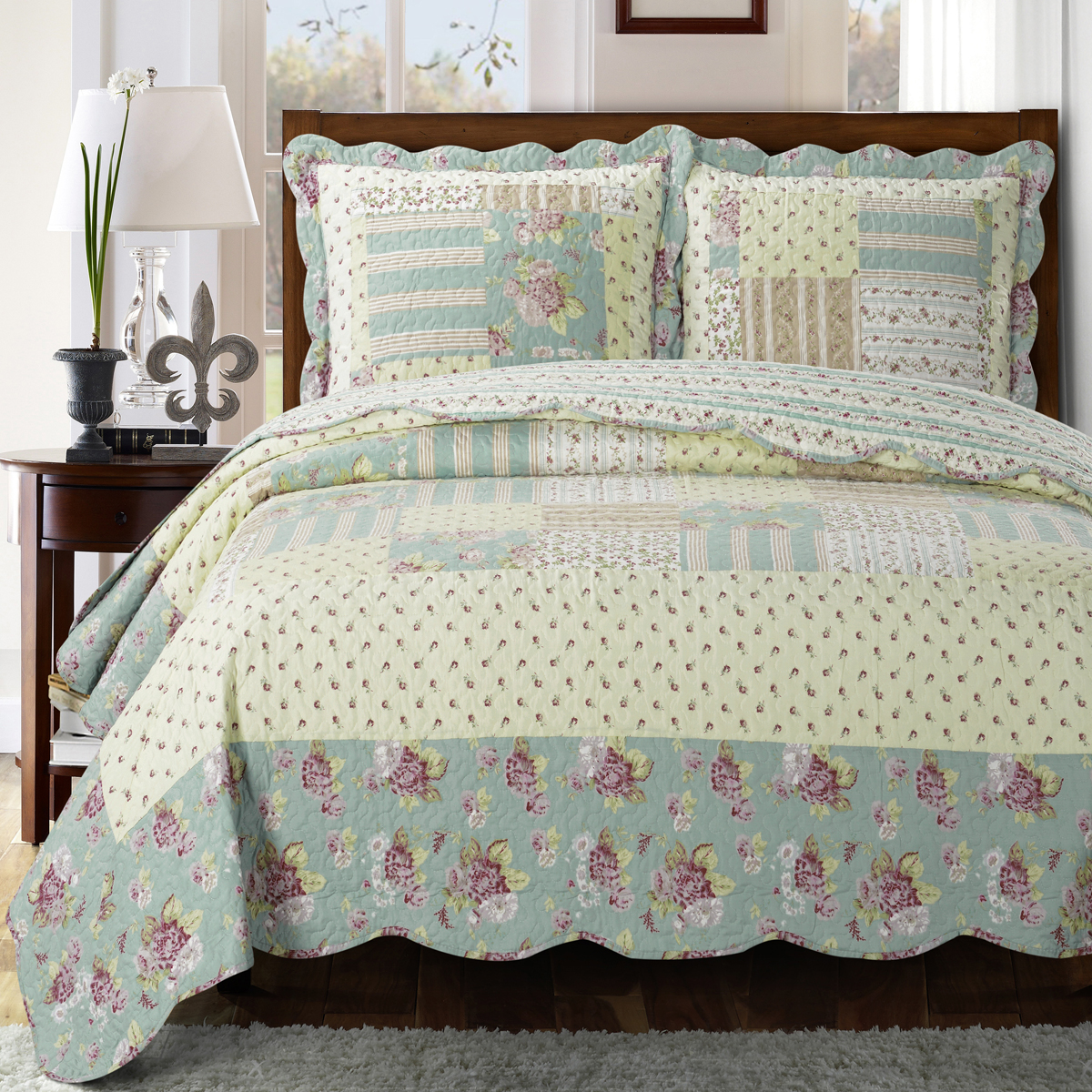 Annabel Oversize Coverlet Wrinkle-Free & Easy Care Set Reversible Quilt Bedding Set : Queen
