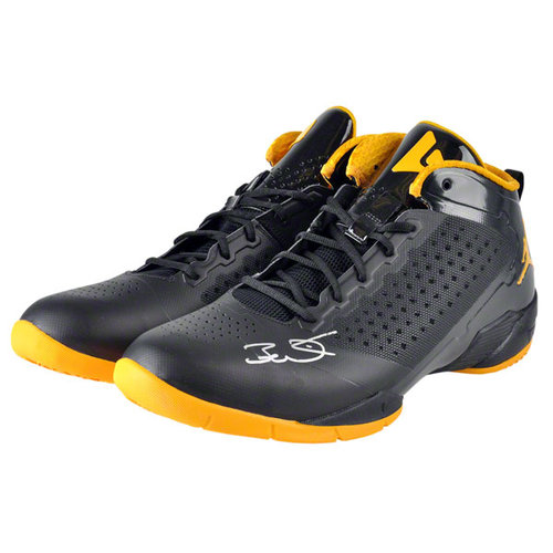 NBA - Dwyane Wade Autographed Shoes | Details: Miami Heat, Black and Yellow Shoes, Yellow Logo, Black Laces