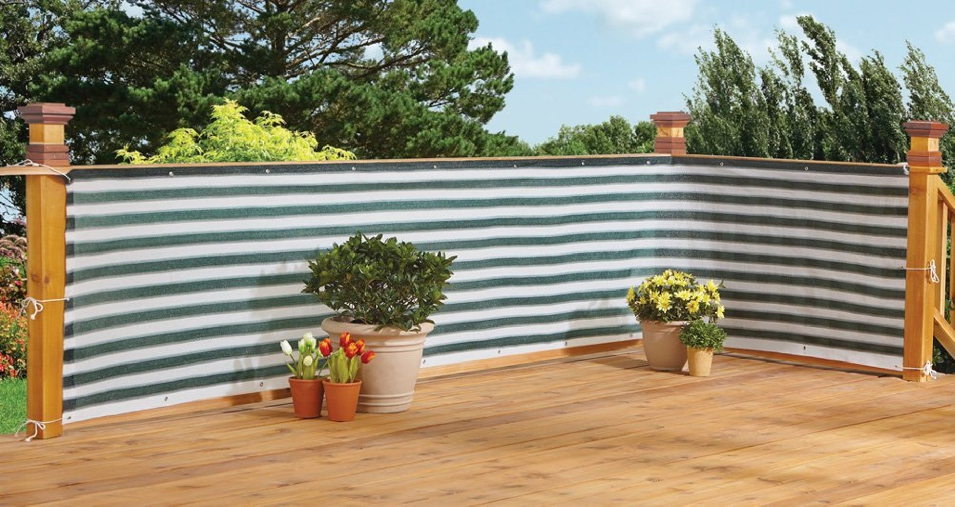 Stylish Outdoor Privacy Screen � Balcony, Deck or Patio Fence Privacy Screen Green White by Imperial Home