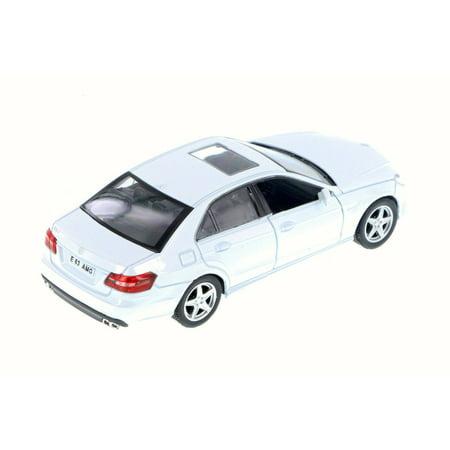 Mercedes-Benz E63 AMG w/ Sunroof, White - RMZ City 555999 - 1/32 Scale Diecast Model Toy Car (Brand New but NO (Plan City Car)