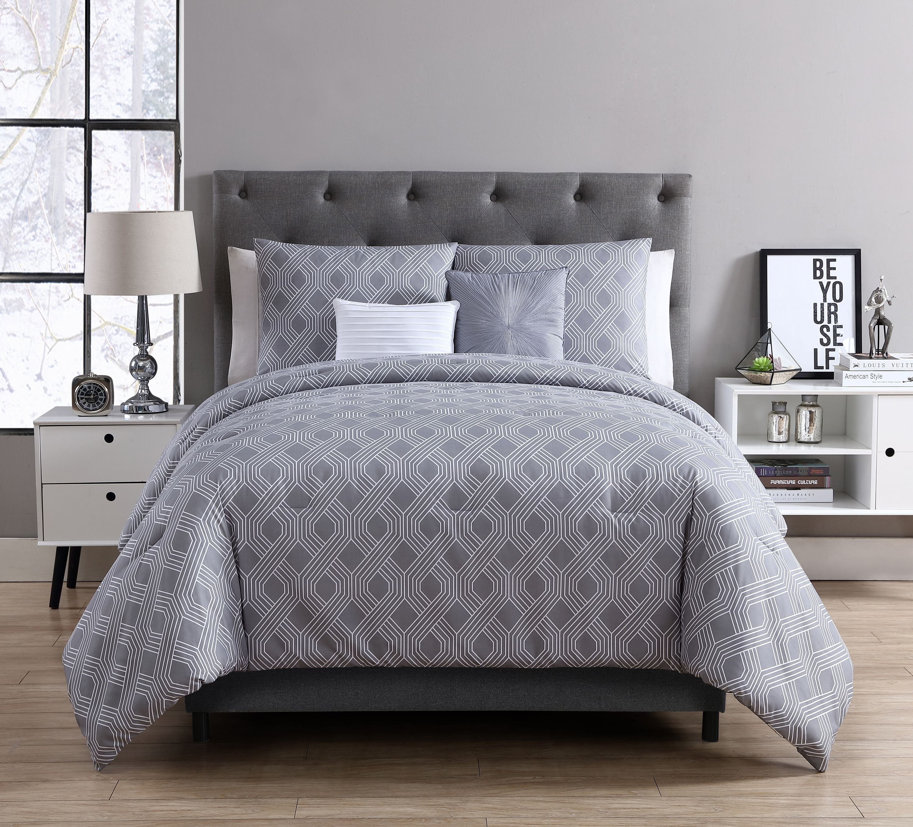 VCNY Home Eli Metallic Interlocking Geometric 4/5 Piece Bedding Comforter Set with Decorative Pillows Included, Multiple Colors and Sizes Available