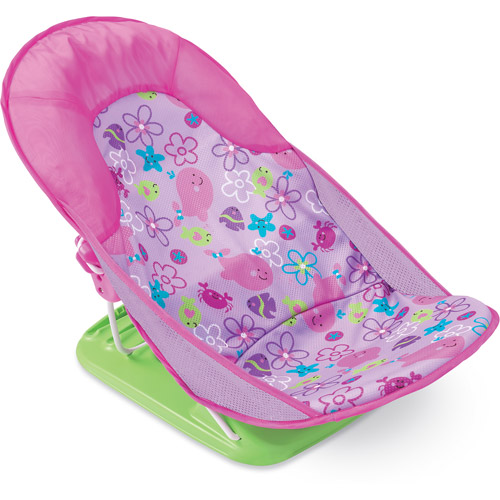 My mom insists that I need a baby bathtub for my infant. I think I can give my newborn sponge bathes until she's able to sit up. Do I really need to buy an infant bath tub for my baby?