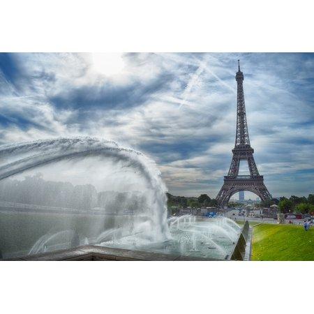 Canvas Print Eiffel Paris Tour Fontana Stretched Canvas 10 x - Party City Fontana