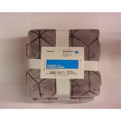 Room Essentials Micromink Printed Blanket - Flat Gray