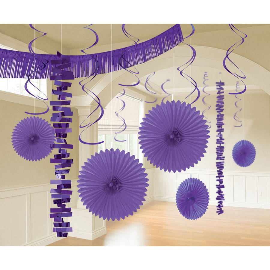 Hanging Decorating Kit 17 Pcs