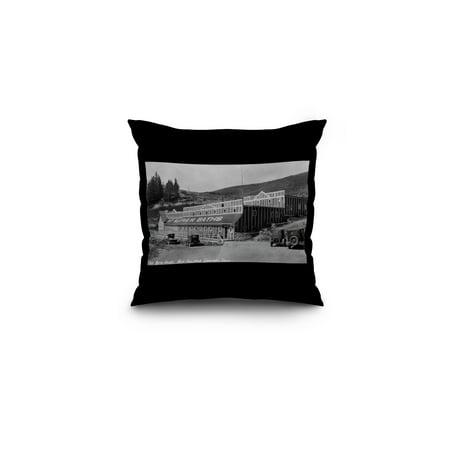 Hot Sulphur Springs, Colorado - Bath House Exterior Photograph (16x16 Spun Polyester Pillow, Black
