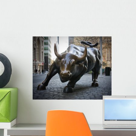 Wall Street Bull Wall Mural by Wallmonkeys Peel and Stick Graphic (18 in W x 14 in H) WM174498