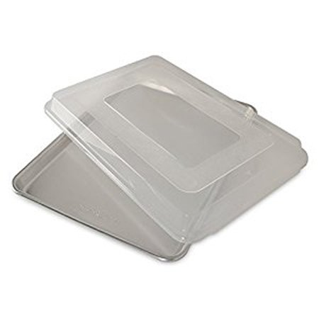 Nordic Ware Naturals® Baker's Half Sheet with Lid, Aluminum, BPA-free Plastic Cover, Lifetime Warranty, 16.25