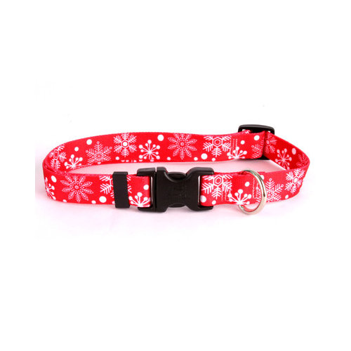 Yellow Dog Design RSF102M Red Snowflakes Standard Collar - Medium