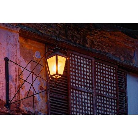 Illuminated vintage street lamp on wall, Calle Crisologo, Vigan, Ilocos Sur, Philippines Print Wall (Vintage Lens Philippines)