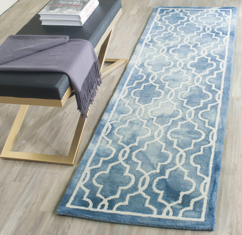 Safavieh Dip Dye Leighton Faded Geometric Wool Area Rug