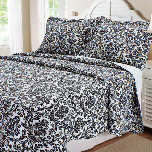 Textiles Plus Inc. Damask 3 Piece Quilt Set