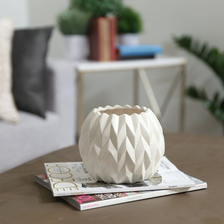 Urban Trends Collection: Ceramic Vase, Matte Finish, White