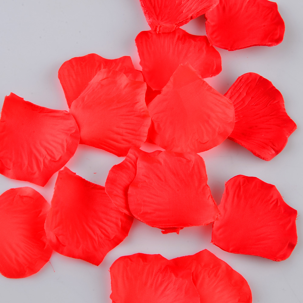 1000Pcs Artificial Silk Rose Flower Petals Wedding Party Decoration Accessory