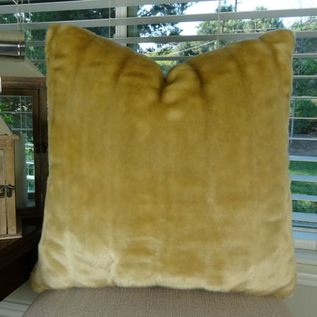 Thomas Collection Beige Tissavel Shar Pei Mink Faux Fur Throw Pillow - 17450