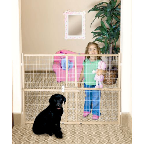 Guard Master II Tall/ Wide Wire Mesh Pet Gate