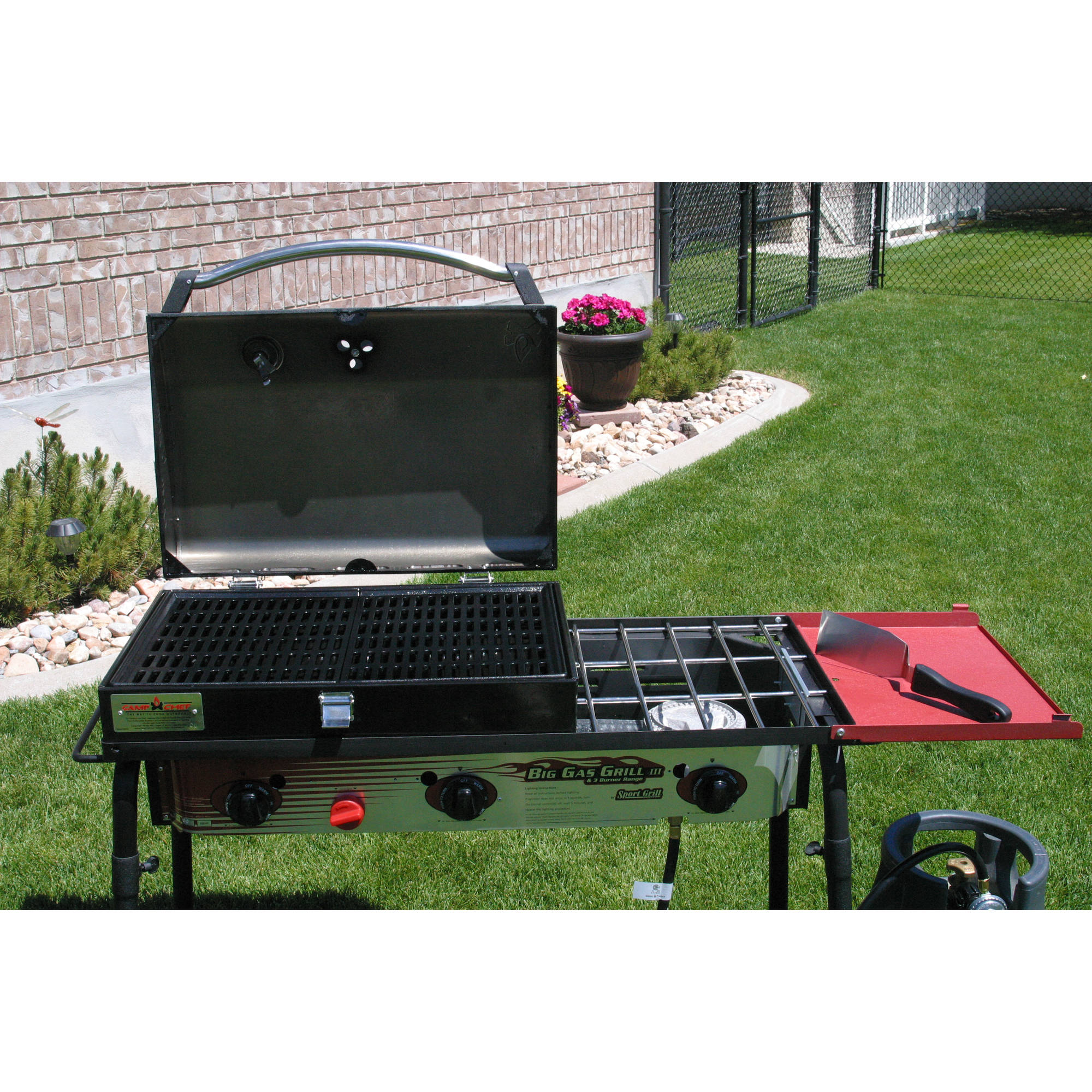 Camp Chef 3-Burner Barbecue Box with Hinged Lid with Thermometer