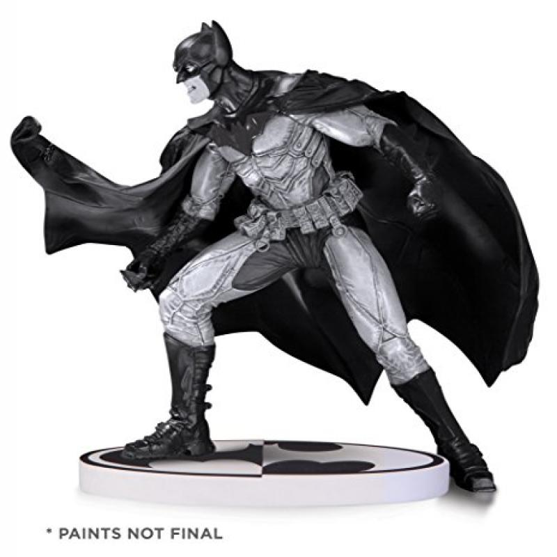 Batman: Black & White: Batman by Lee Bermejo Second Editi...