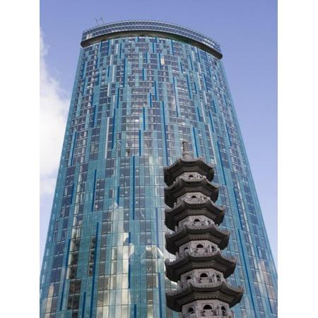 Beetham Tower, Radisson Sas Hotel, Pagoda, Chinese Quarter, Birmingham, England, United Kingdom Print Wall Art By Martin Child