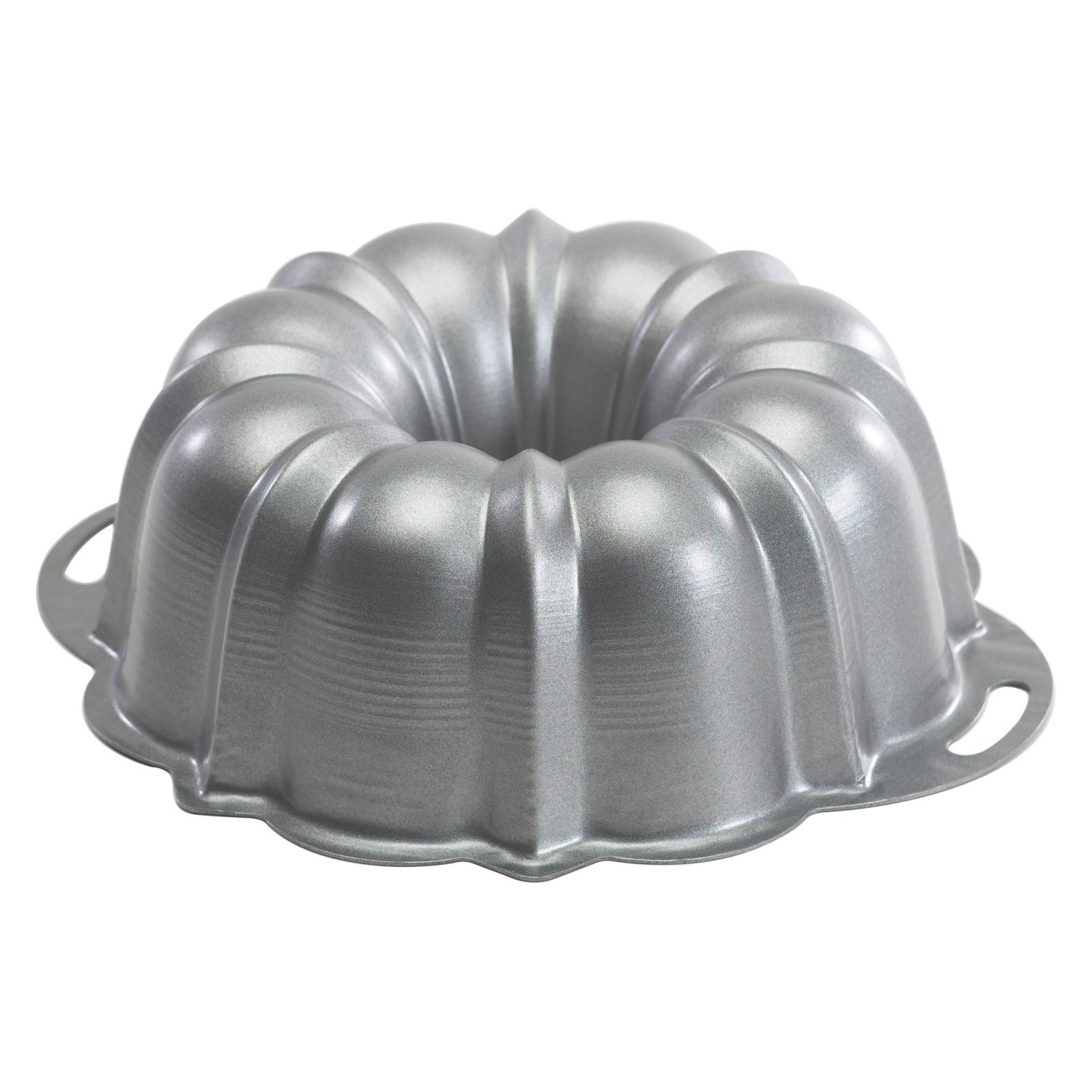 Nordic Ware Pro Form Bakeware Nonstick Heavyweight Aluminum Bundt Pan