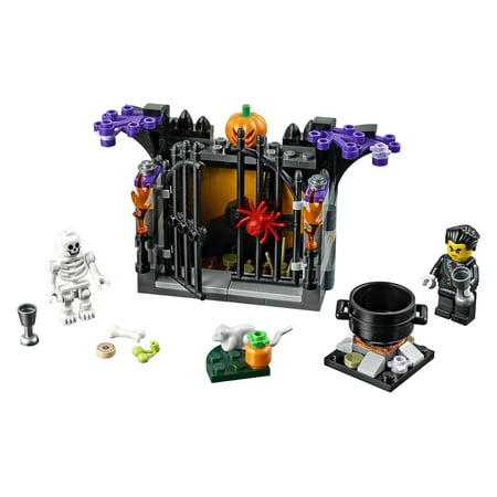 LEGO Seasonal Halloween Haunt 40260 Building Set (145 Pieces)