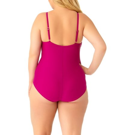 Catalina Women's Plus Size Berry Strappy Neck One Piece Swimsuit ()