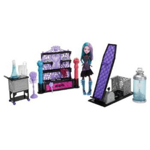 Monster High Create-A-Monster Color-Me-Creepy Design Chamber Play Set by Mattel