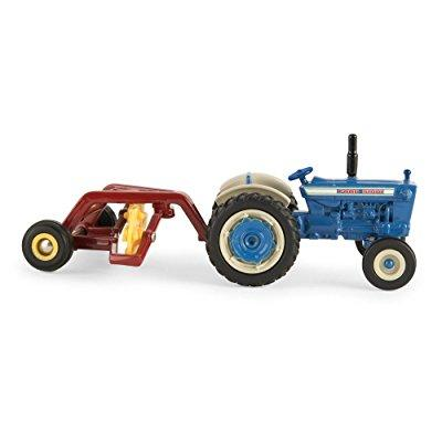 1:64 Ford 5000 Tractor with Hay Rake by Ford