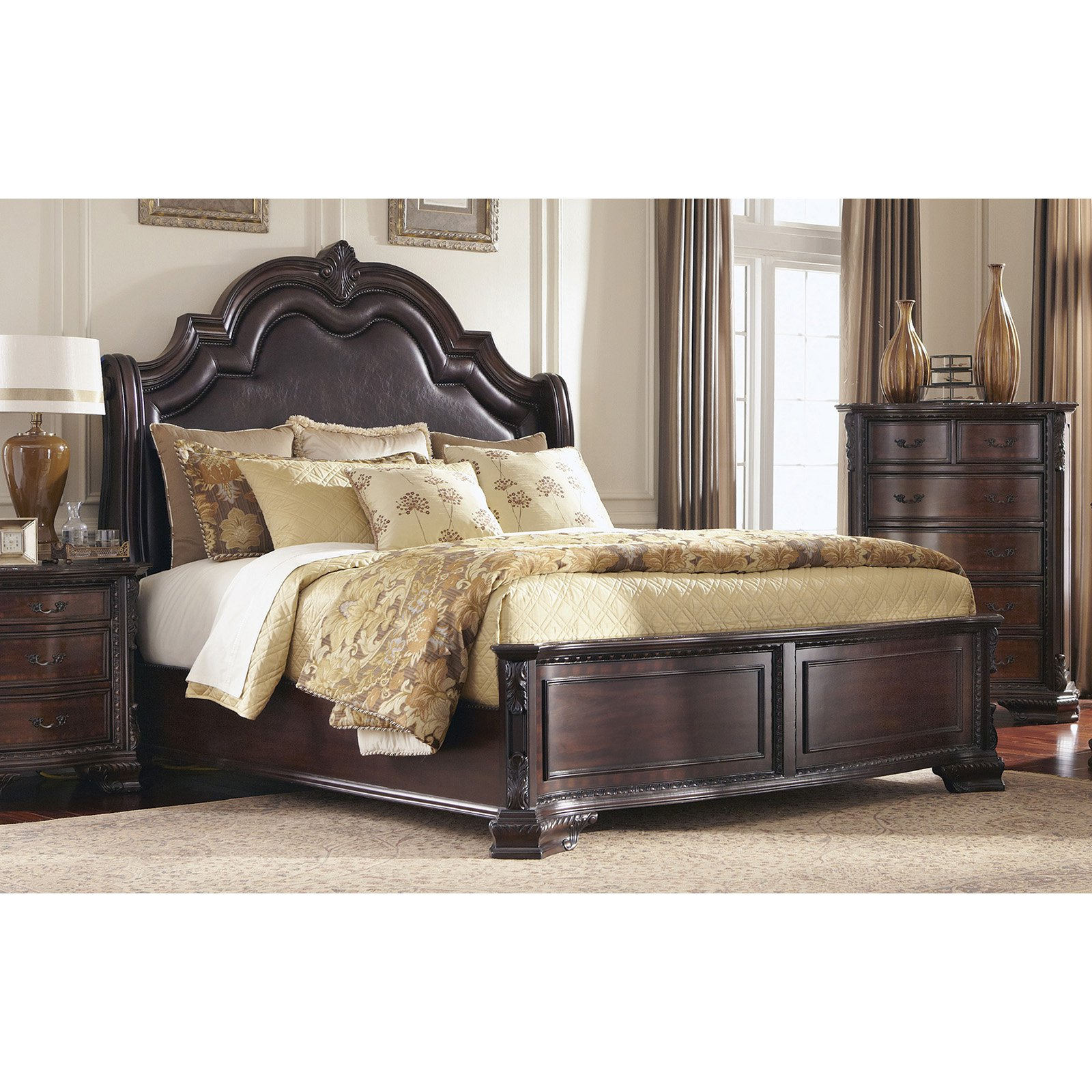 Coaster Furniture Maddison Upholstered Bed