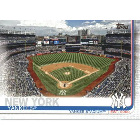 2019 Topps #47 Yankee Stadium New York Yankees Baseball Card -